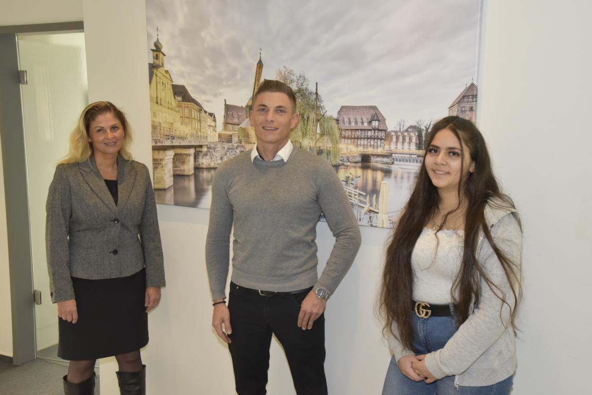 Unsere neuen Azubis Radka, Lennart und unsere Praktikantin Soray sind seit August ein Teil des Teams in der Niederlassung in Lüneburg.